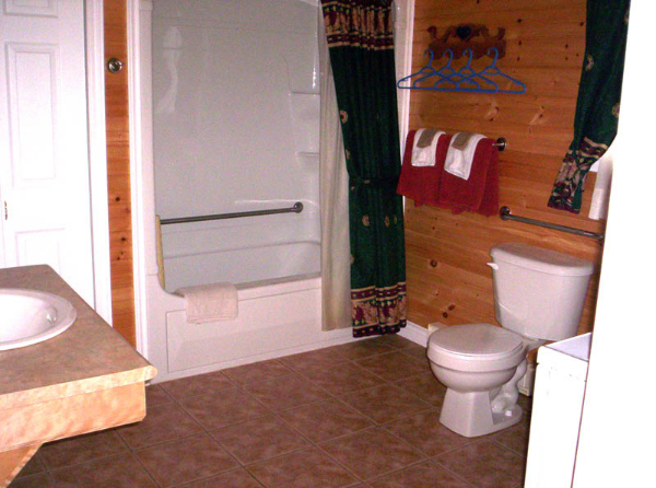 c2-large-bathroom-with-5-foot-turning-radius-for-a-wheelchair